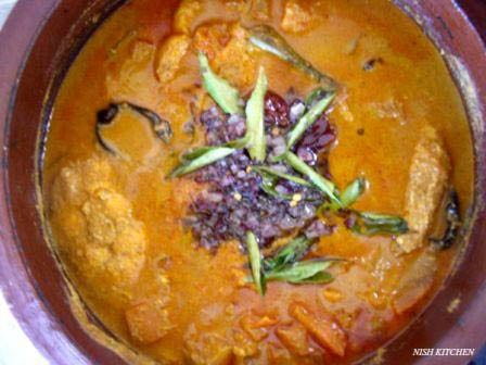 Thenga varutharacha fish curry recipe 11