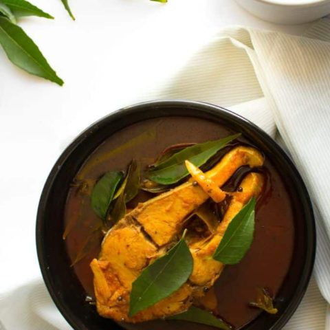 Classic Spicy Fish Curry – Kerala Style