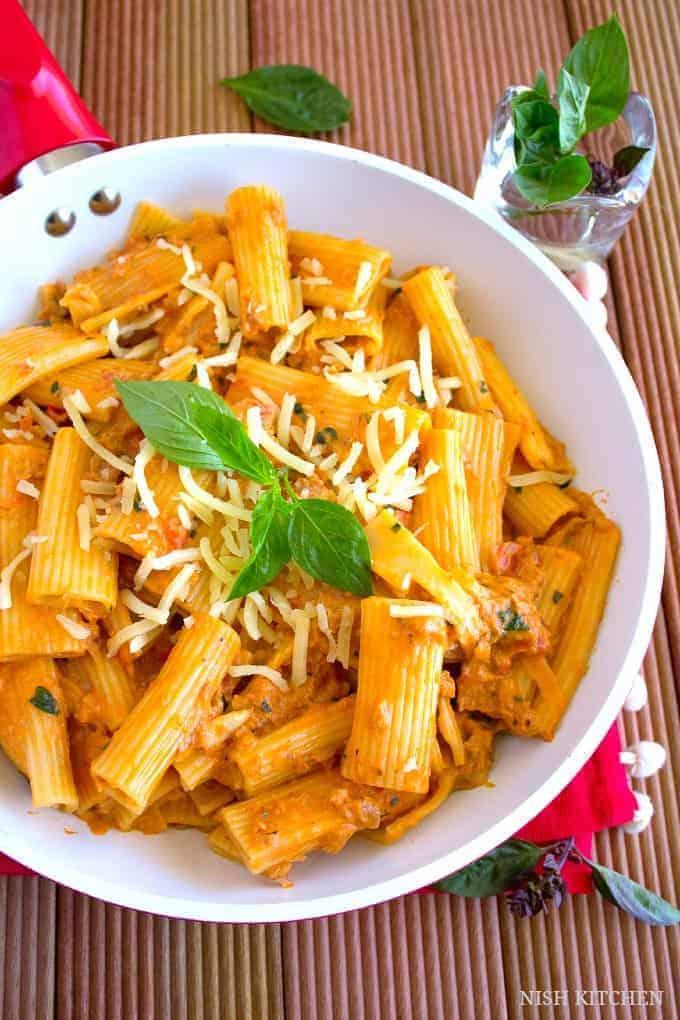 Creamy tomato tuna pasta