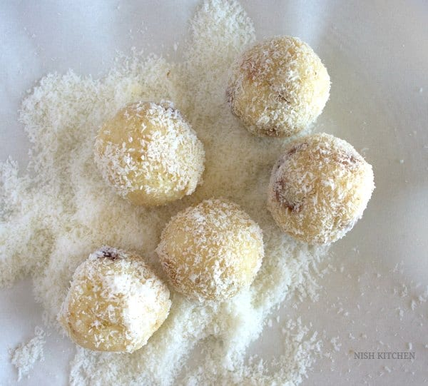 chocolate coconut ladoos recipe 1