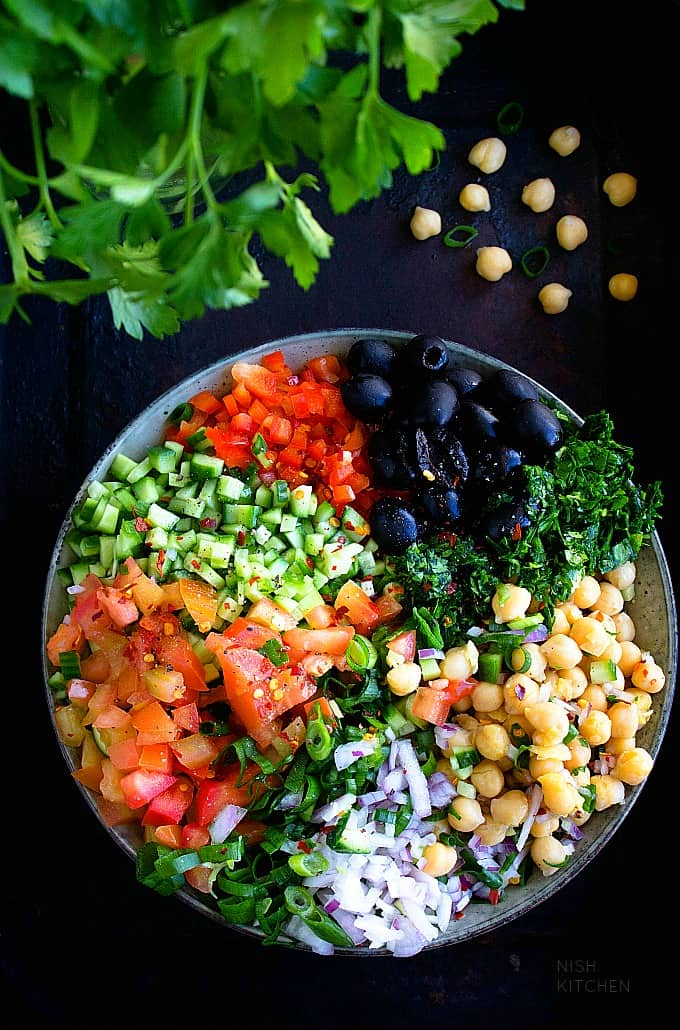 Mediterranean chickpea salad recipe video
