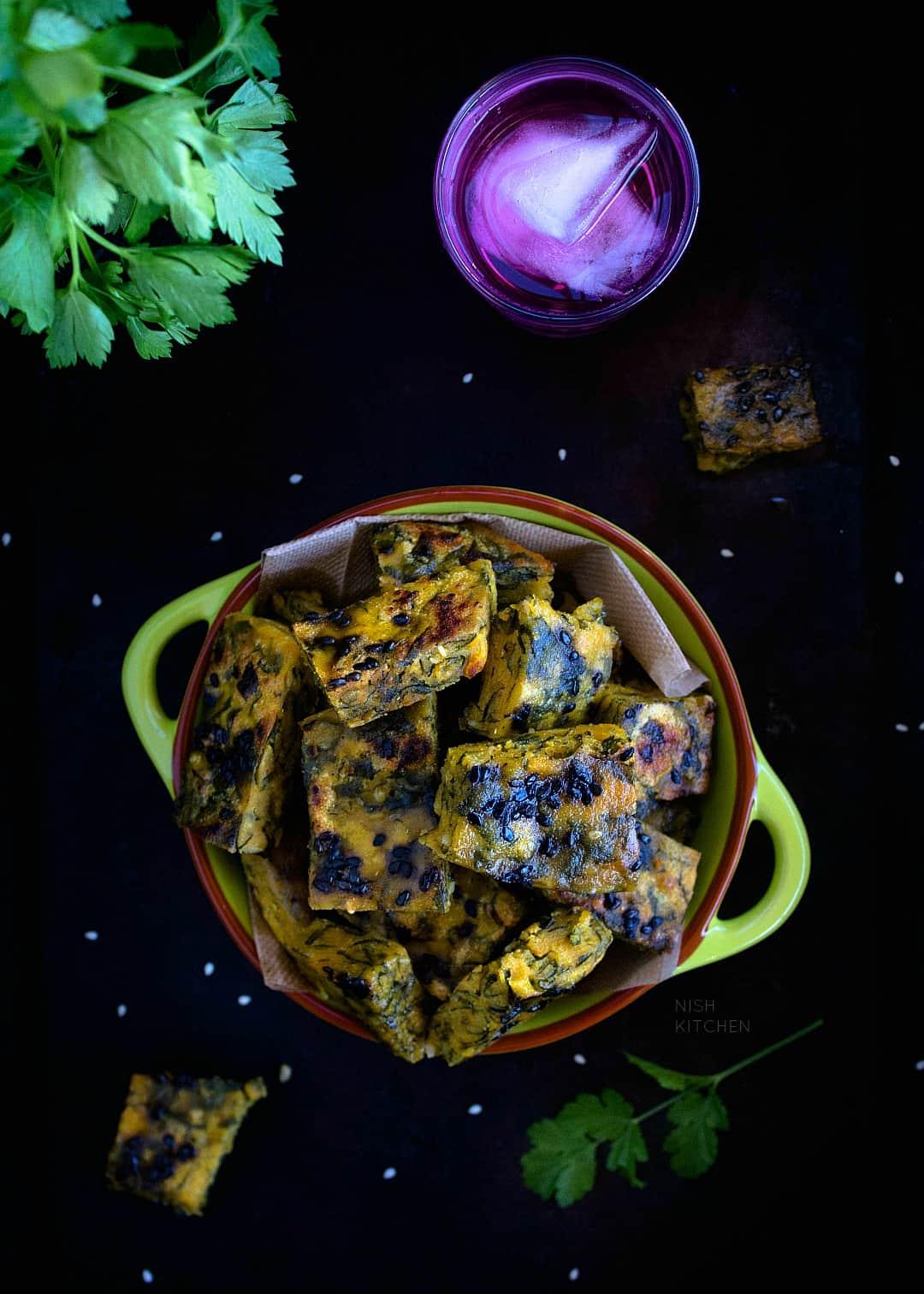 Maharashtrian Coriander Leaves Fritters