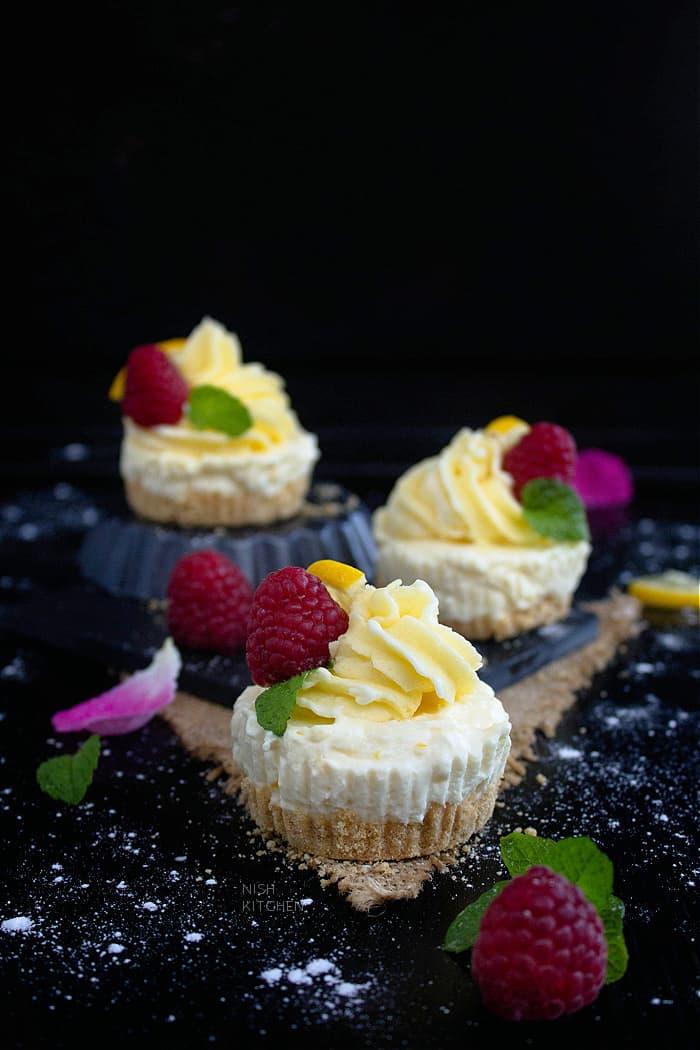 Mini cheesecake with lemon
