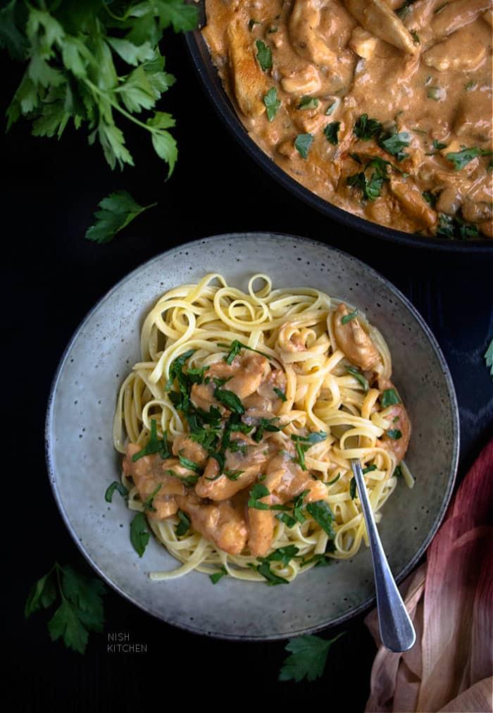 Chicken and mushroom stroganoff recipe