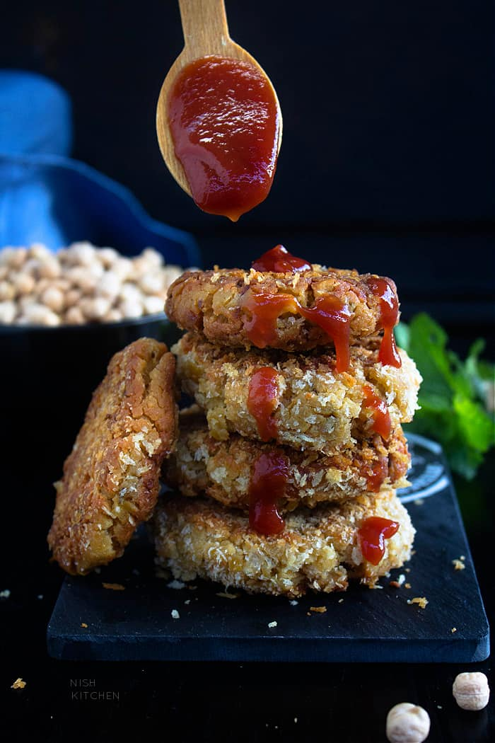 Vegan nuggets with chickpeas